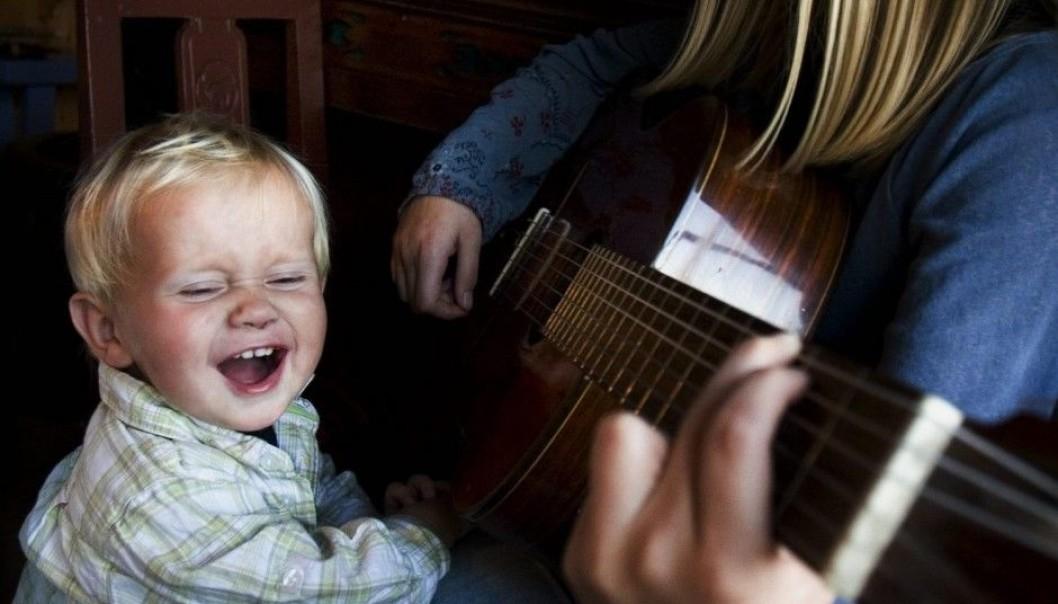 Zu Hause Singen mit Kindern