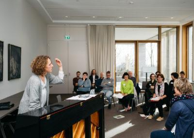 """Workshop """"Stimme in Bewegung"""" mit Andrea Artmann"""